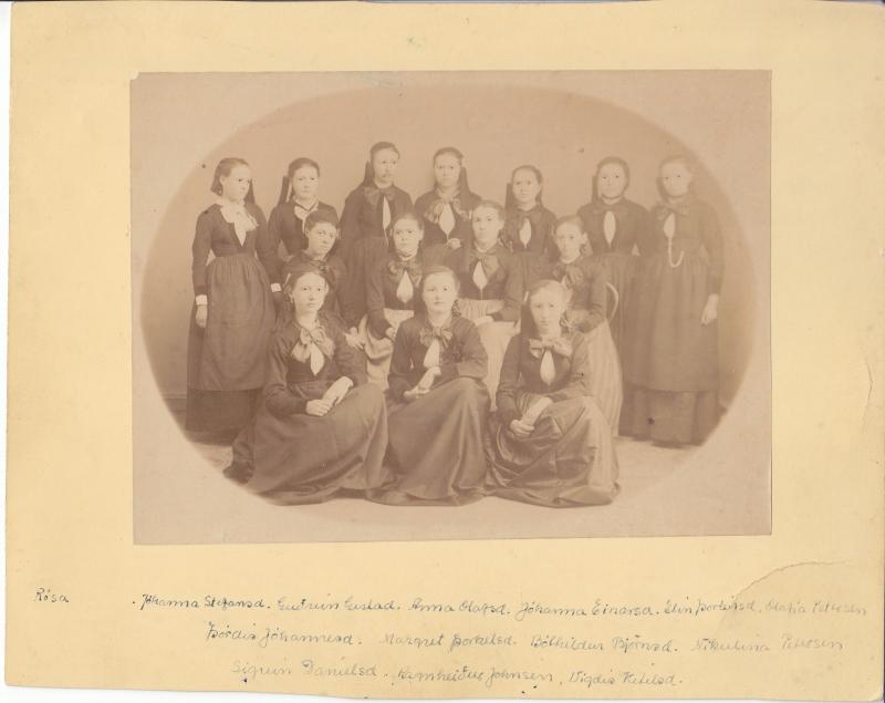 1. og 2. bekkur Kvennaskólans 1883-1884