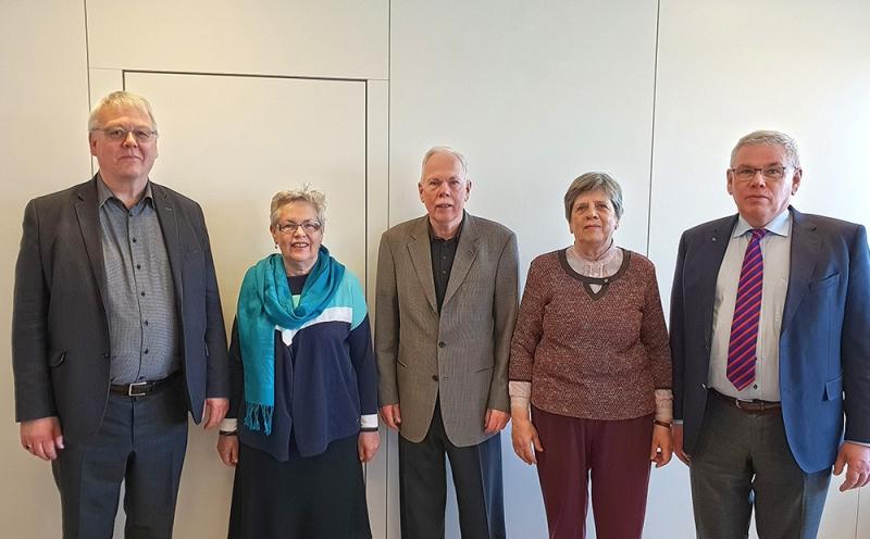 Eiríkur G. Guðmundsson þjóðskjalavörður og börn Bjarna Vilhjálmssonar: Kristín, Eiríkur, Elísabet og Vilhjálmur.